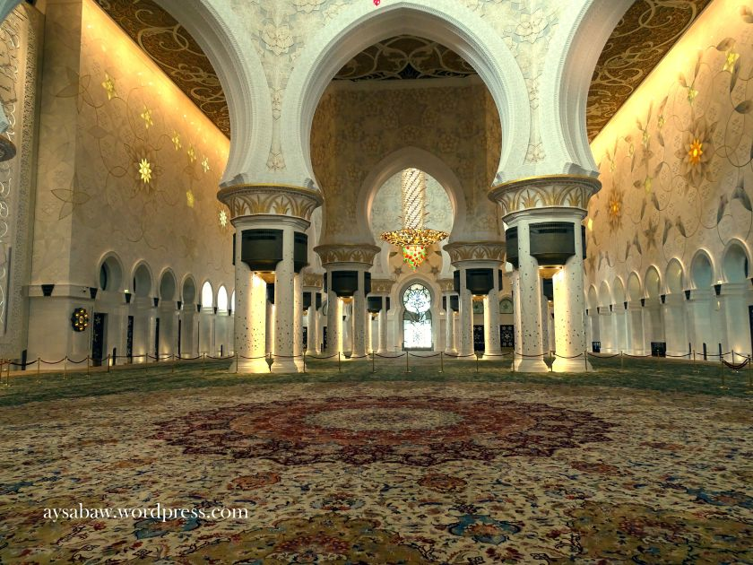 Grand Sheikh Zayed Mosque - Interior