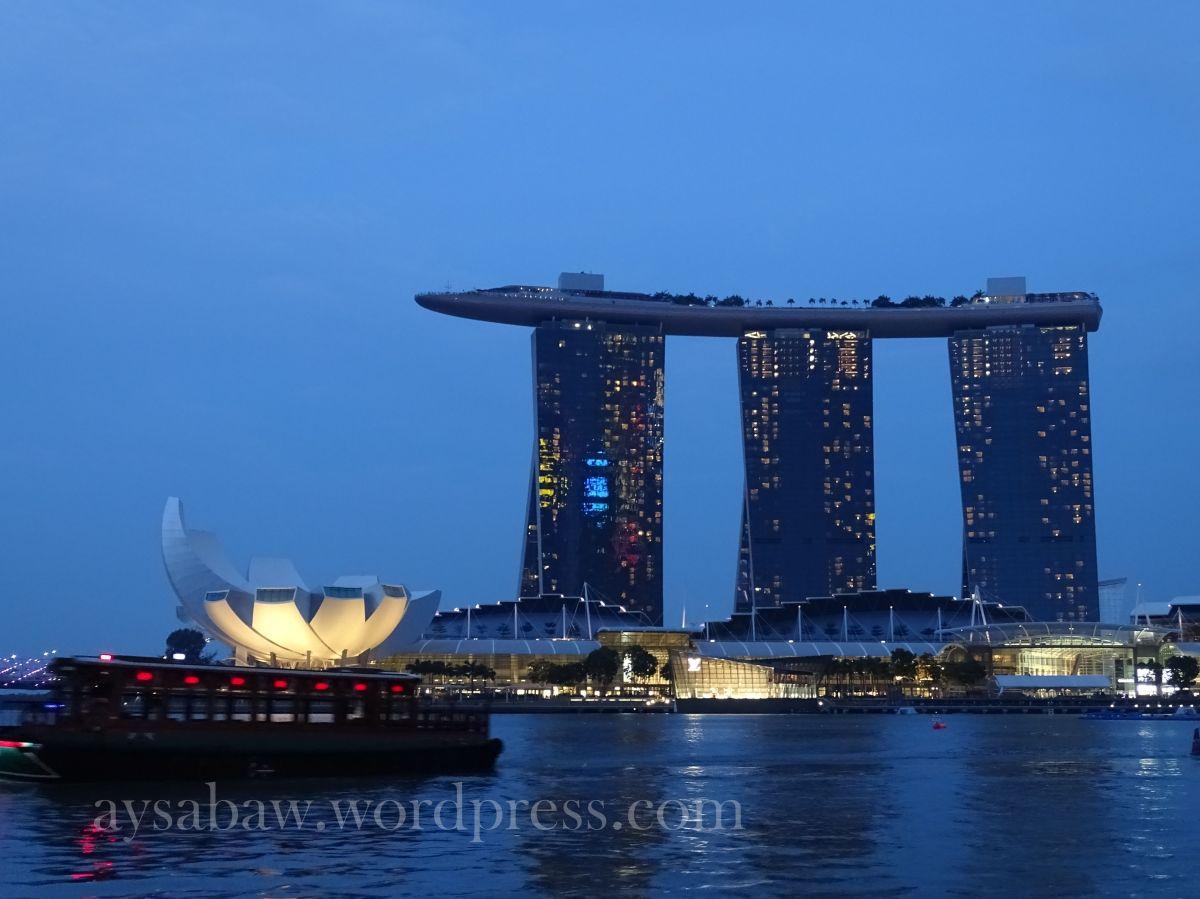Singapore Night Stroll + Sentosa + UniversalStudios